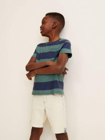 מכנסי ג'ינס קצרים בשטיפה בהירה