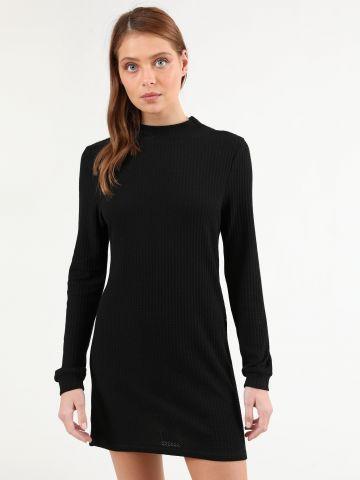 שמלת מיני פיקה עם שרוולים ארוכים