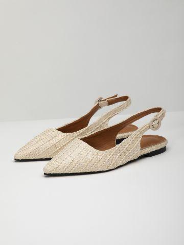 נעליים קלועות עם רצועה אחורית / נשים