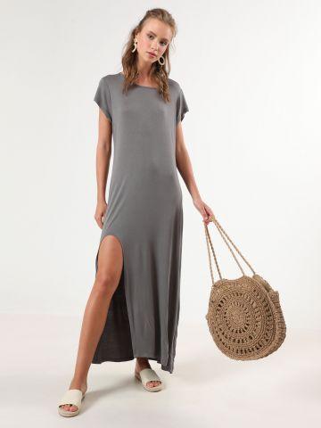 שמלת טי שירט מקסי עם שסע