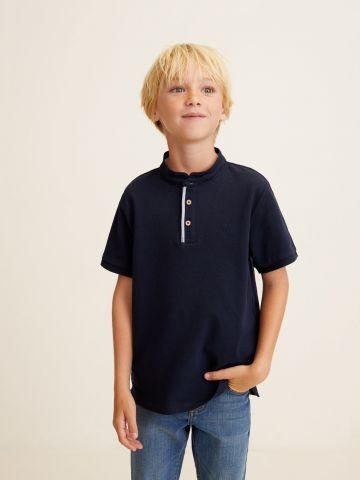 חולצת פולו פיקה עם רכיסה מודגשת