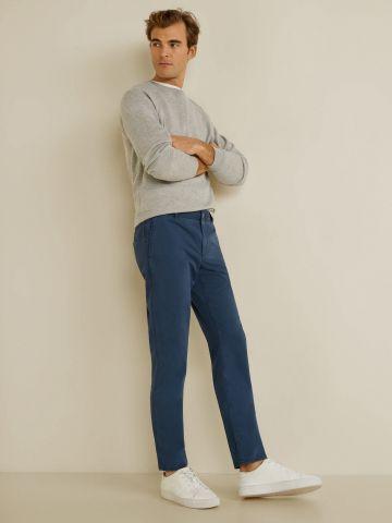 מכנסיים מחויטים בגזרת Slim-fit