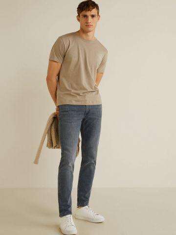 ג'ינס Slim-fit עם ווש עדין