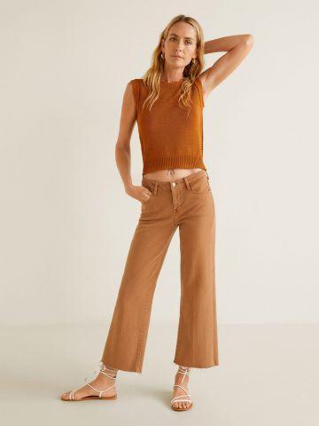 ג'ינס קרופ עם סיומת גזורה