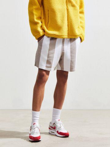מכנסי טרנינג קצרים בהדפס פסים UO