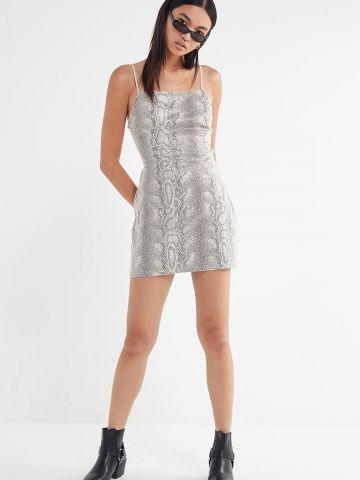 שמלת מיני רשת בשילוב הדפס נחש UO