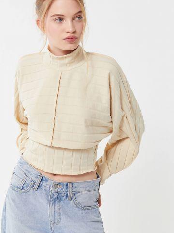 חולצת קרופ ריב רחב עם צווארון גבוה UO