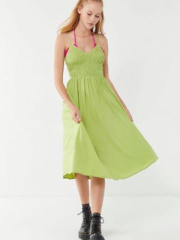 שמלת מידי וי עם כיווצי בד UO