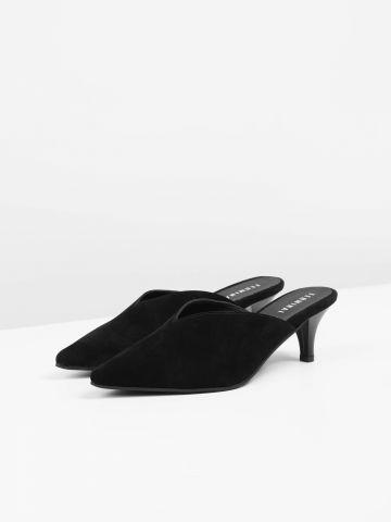 נעלי עקב קטיפה עם קצה מחודד