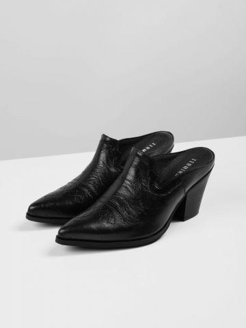 נעלי עקב מיולז דמוי עור עם עיטור תפרים