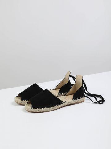 נעלי אספדריל עם קשירה