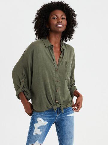 חולצת אוברסייז מכופתרת עם אלמנט קשירה