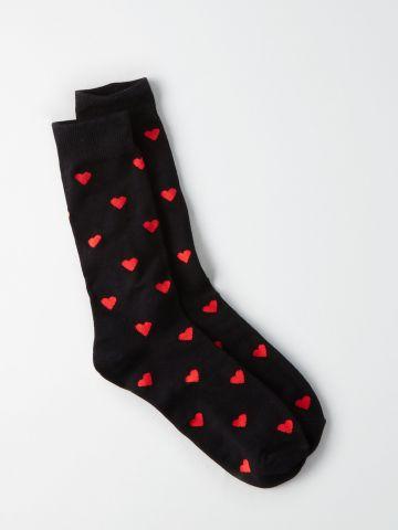 גרביים גבוהים בהדפס לבבות / גברים