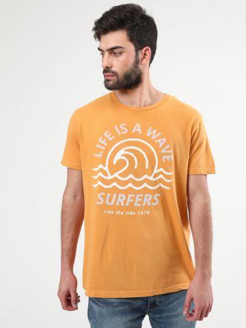 טי שירט עם הדפס קטיפה Surfers