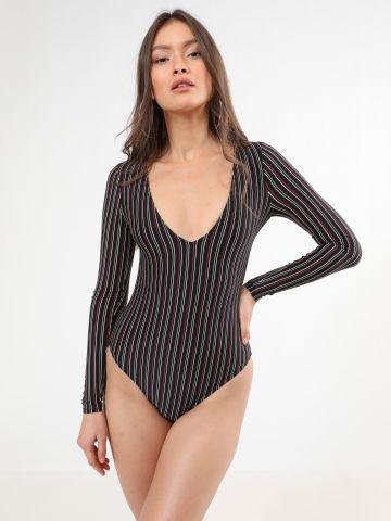 בגד ים שלם בהדפס פסים עם פתח בגב
