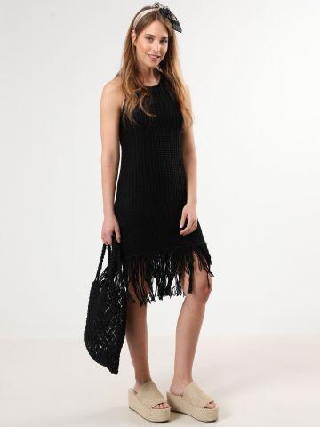 שמלת סריג מידי עם פרנזים בסיומת