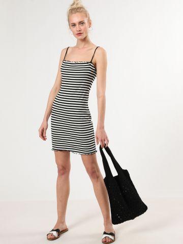 שמלת ריב מיני פסים עם סיומות מסולסלות