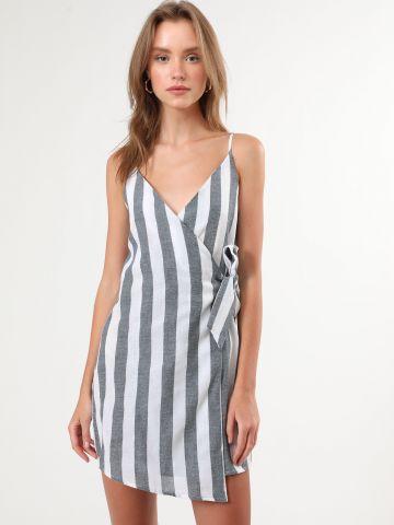 שמלת מעטפת מיני בהדפס פסים
