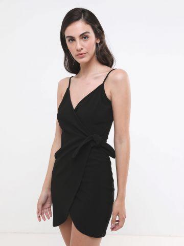 שמלת מיני מעטפת עם קשירה