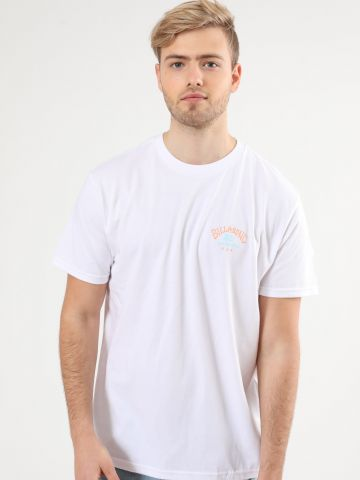 טי שירט עם הדפס לוגו בוקס בשילוב דקלים מאחור