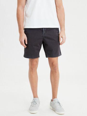 מכנסיים מחויטים קצרים