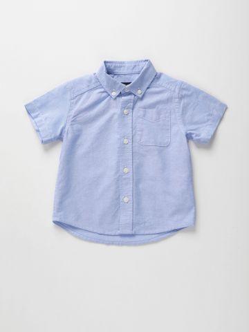 חולצת אוקספורד מכופתרת עם כיס / 9M-5Y של THE CHILDREN'S PLACE