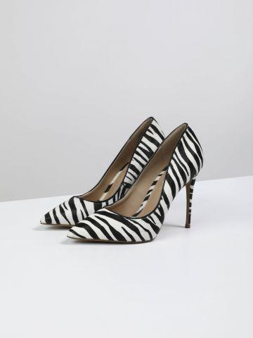 נעלי עקב סטילטו מעור בסגנון זברה