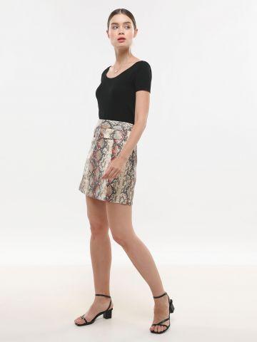חצאית מיני בהדפס נחש של LOST INK