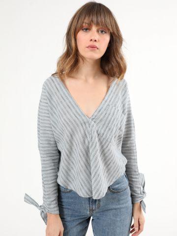 חולצת פשתן פסים עם אלמנט קשירה בשרוולים