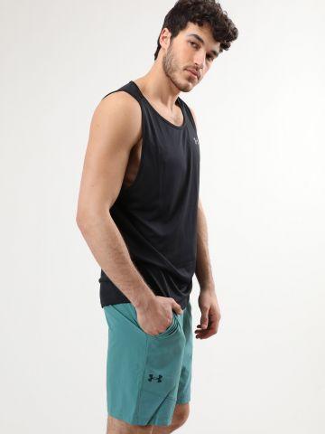 מכנסי ספורט קצרים עם פאנלים רשת ולוגו