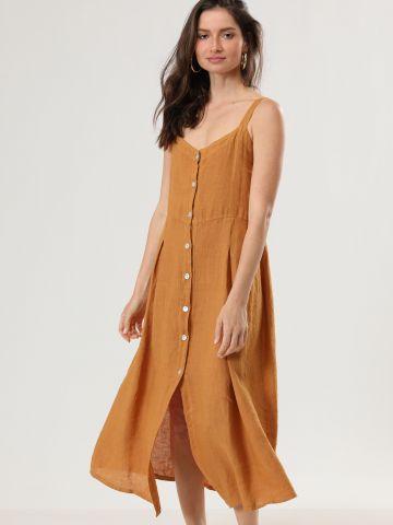 שמלת פשתן מקסי עם כפתורים וקפלים