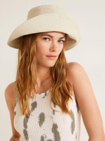 כובע באקט חלק של MANGO