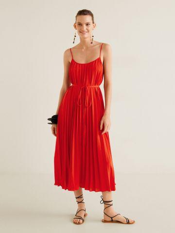 שמלת פליסה מידי עם חגורת קשירה