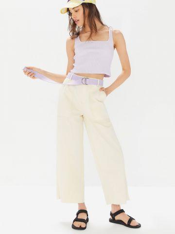 מכנסי קרופ מתרחבים עם סיומת גזורה BDG