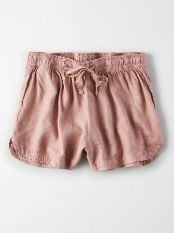 מכנסיים קצרים עם גומי במותן / נשים
