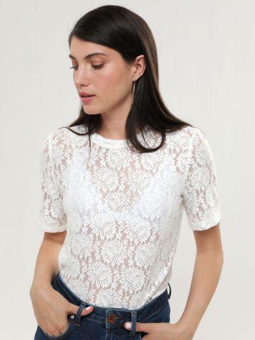 חולצת תחרה עם שרוולים קצרים