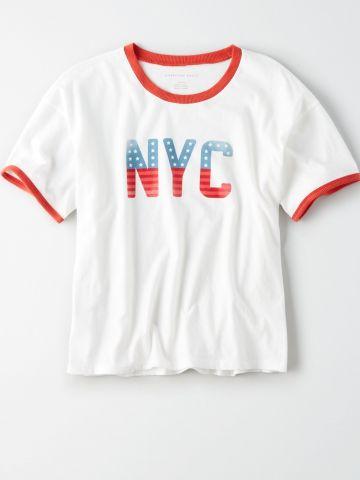 טי שירט רינגר עם הדפס NYC / נשים