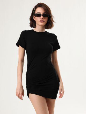 שמלת טי שירט מיני עם כיווץ