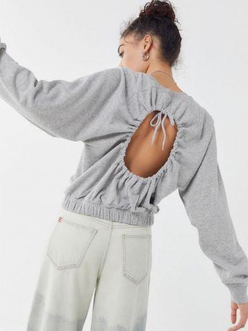 סווטשירט כיווצים עם גב פתוח UO