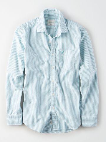 חולצה מכופתרת בהדפס פסים עם לוגו / גברים