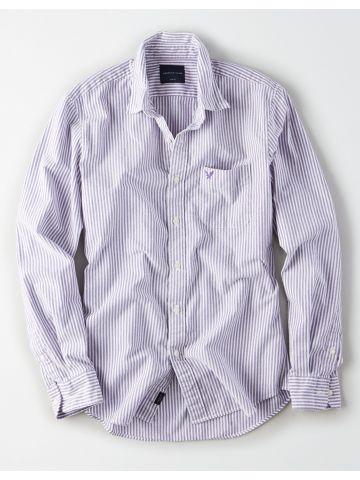 חולצה מכופתרת בהדפס פסים עם כיס לוגו / גברים