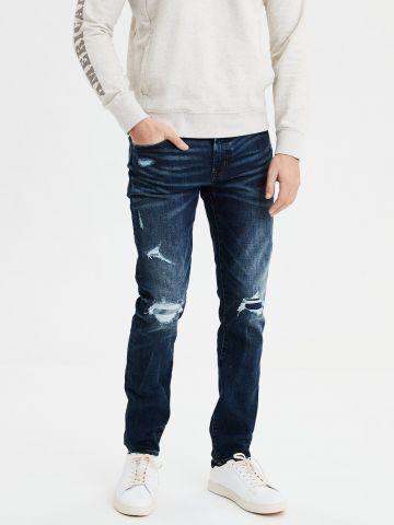 ג'ינס סלים בשטיפה כהה עם קרעים Slim