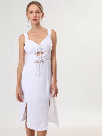 שמלת מידי עם פתחים ושסעים
