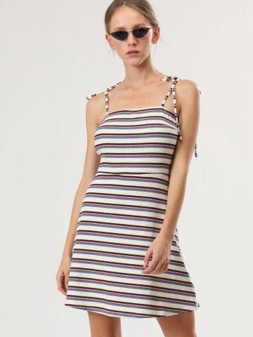 שמלת ריב מיני בהדפס פסים עם כתפיות קשירה