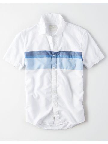 חולצה מכופתרת עם הדפס פסים וכיס / גברים