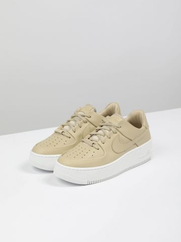 סניקרס עור פלטפורמה Air Force 1 Sage Low / נשים של NIKE