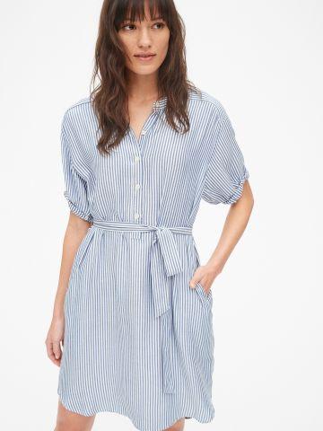 שמלת מיני בהדפס פסים עם חגורת קשירה