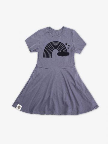 שמלת טי שירט עם הדפס ריינבו / בנות