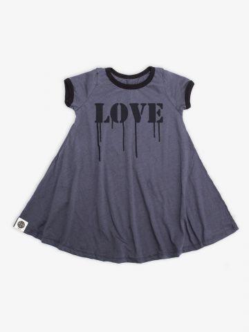 שמלת טי שירט עם הדפס Love / בנות