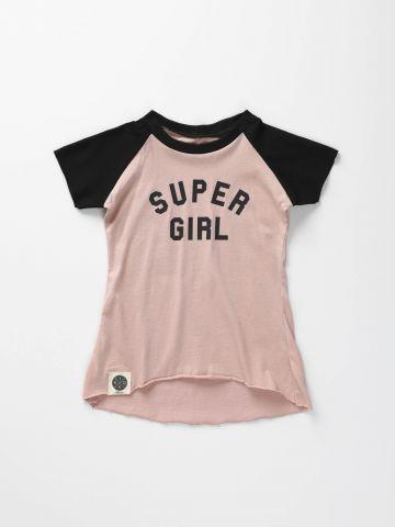 שמלת בייסבול עם הדפס Super Girl/ בייבי בנות